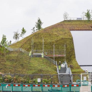 Искусственный холм у Мраморной арки назвали «худшей» достопримечательностью Лондона