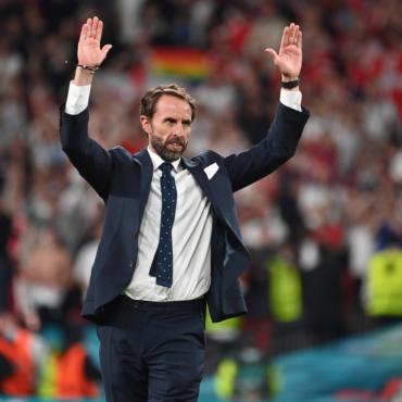 Елизавета II и Борис Джонсон выразили поддержку сборной Англии перед историческим финалом Евро-2020 по футболу