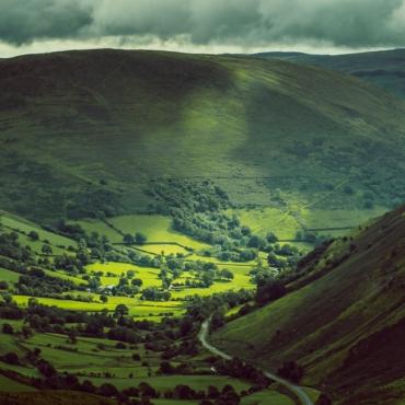Уэльс и Камбрия — самые популярные направления для отдыха в Британии этим летом