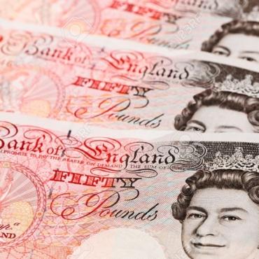 На что нужно обращать внимание при переводе денег за границу: эксперты KoronaPay