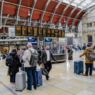 Британский регулятор уличил крупнейшие авиакомпании в предоставлении клиентам неточной информации по тестам на COVID-19
