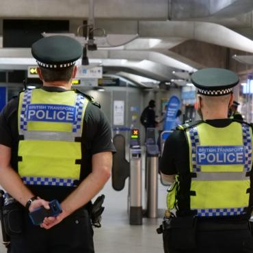Каждый пятый работник госсектора в Британии недоволен условиями труда